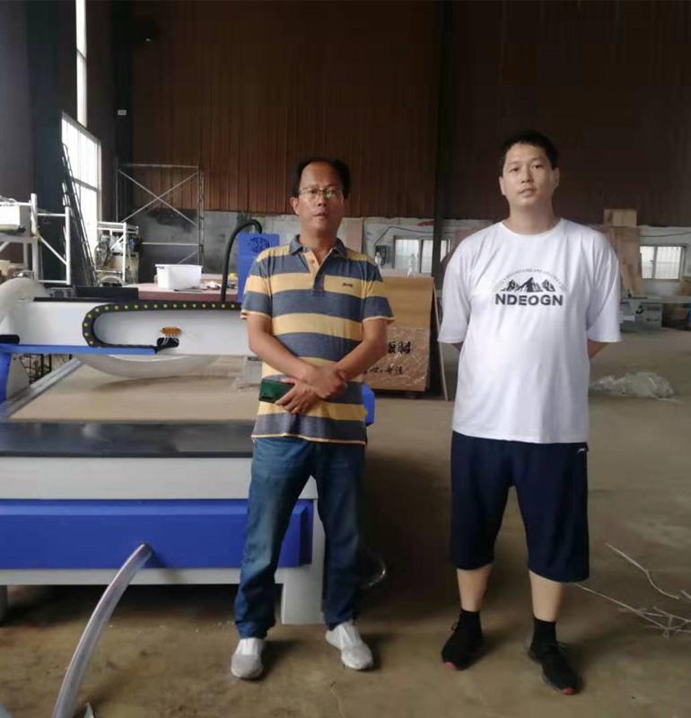 山东青岛1325木工雕刻机(图1)